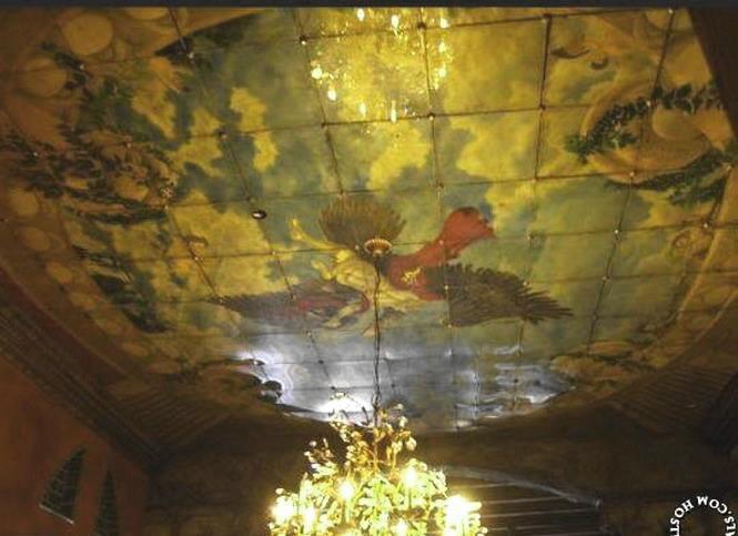 Звездный интерьер: Богемный и дикий лофт Джерарда Батлера