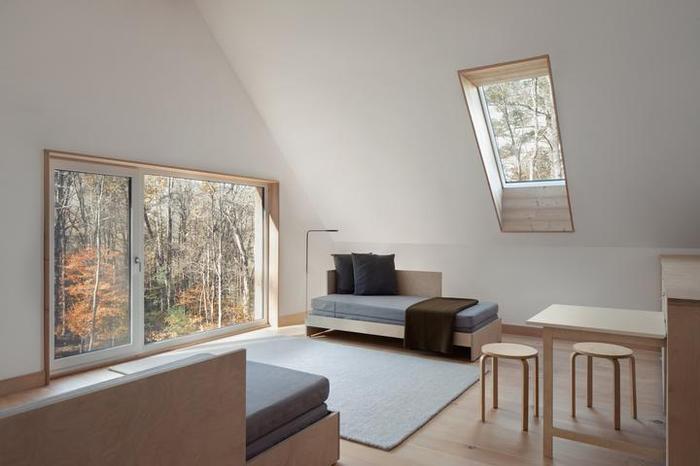 Архитекторы из Нью-Йорка построили себе дом в лесу