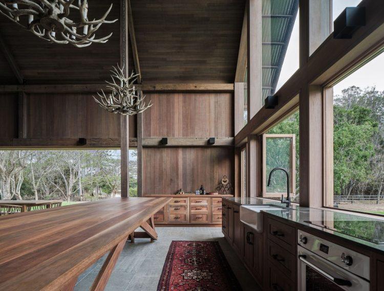 Дом в Австралии, похожий на сельскохозяйственные амбары