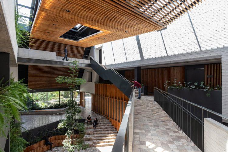Многофункциональный комплекс в Еквадоре от студии Diez + Muller
