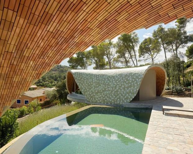 Экспериментальный дизайн: домик Stgilat Auguablava в Каталонии