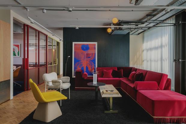 Яркий офис в стиле mid-century в Лондоне