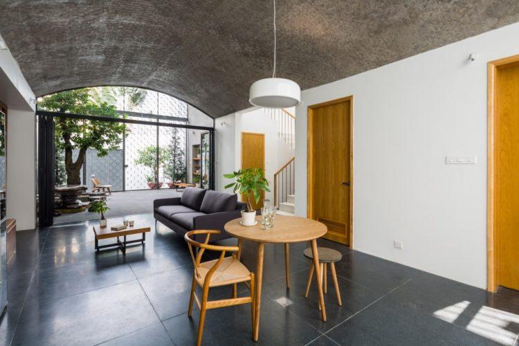 Vom House во Вьетнаме от Sanuki Daisuke Architects