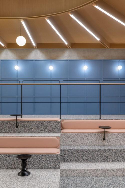 Linehouse превратил бассейн в офисное пространство
