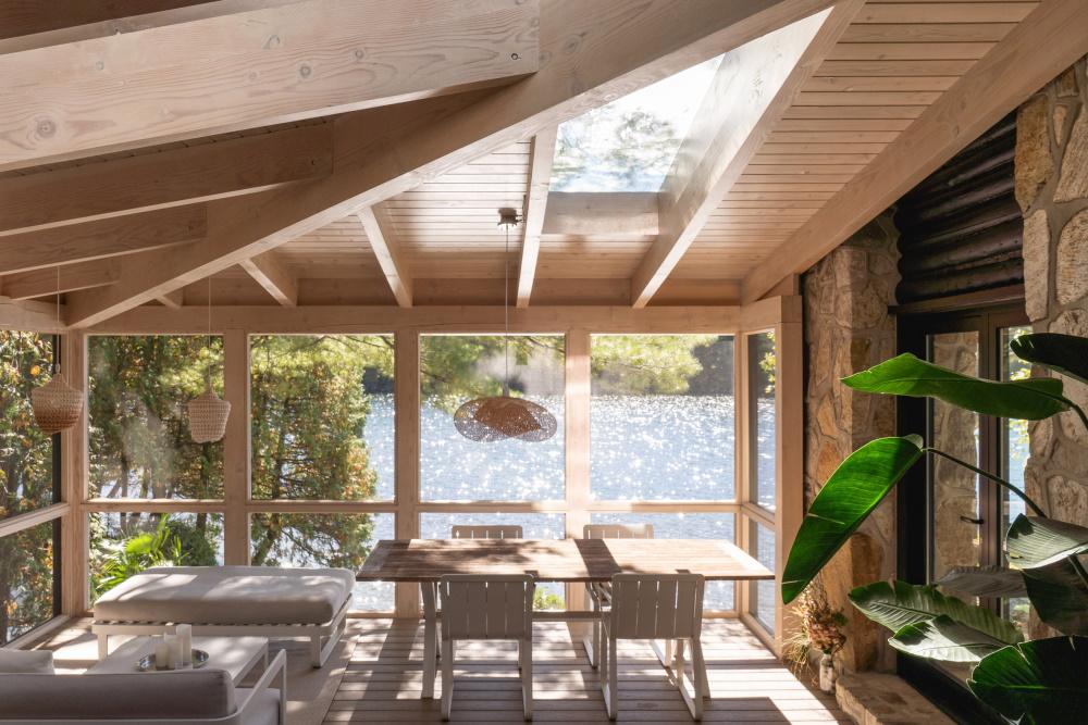 Лесной бревенчатый домик в Квебеке