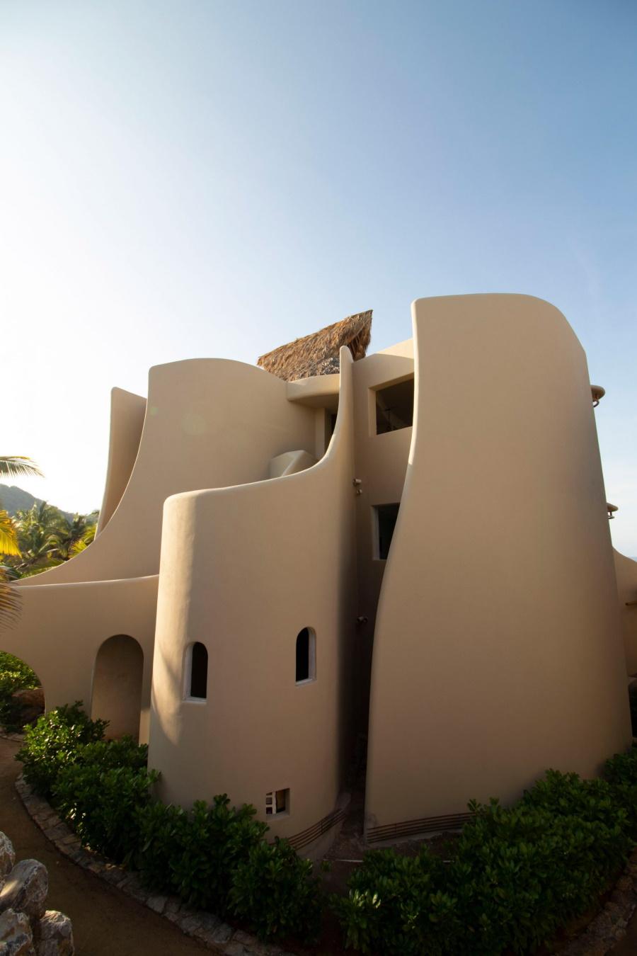 """Пляжные дома от Zozaya Arquitectos c имитацией """"плавности волн"""""""